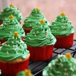 Dreamy Vanilla Christmas Tree Cupcakes